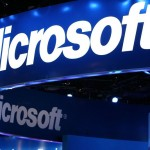 Microsoft to pay Samsung and Sony to develop WP8 smartphones