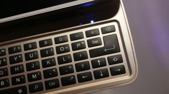 017-motorola-livermorium-slider-keyboard-moto-mod