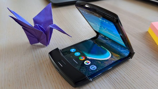 Motorola Razr Foldable Smart Phone Coming Soon